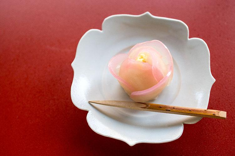 季節の和菓子「寒椿」