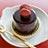マカロンがのったチョコレートケーキ